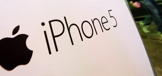 iphone-5-signage-520x245