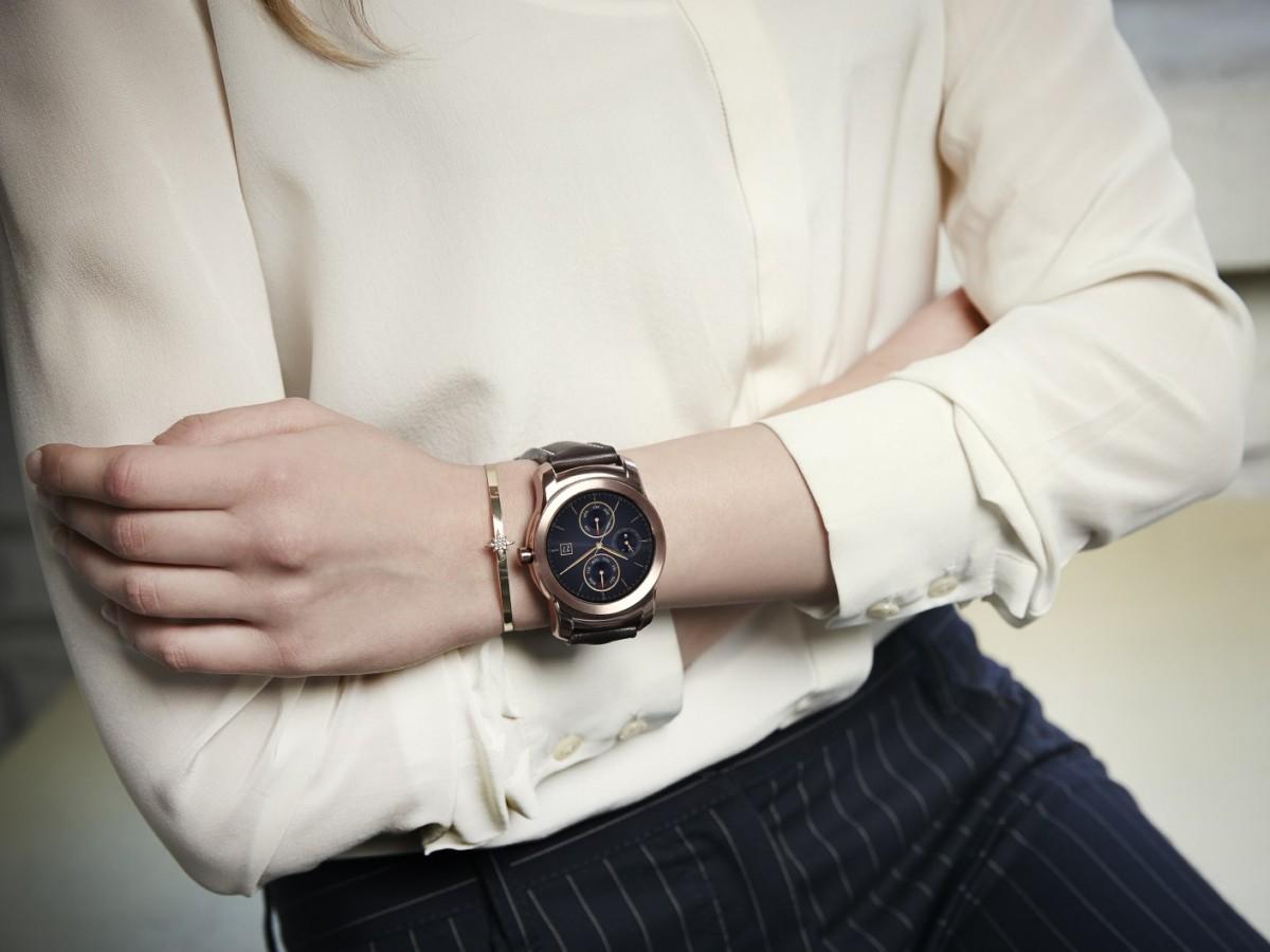 Noul smartwatch LG Urbane