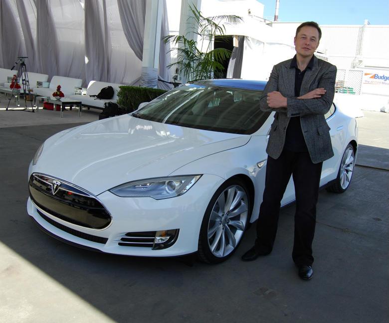 Elon Musk alaturi de Tesla va lansa un nou produs pe 30 Aprilie 2015