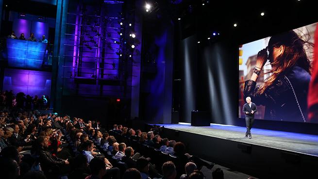Tim Cook incepe discutia despre Apple Watch
