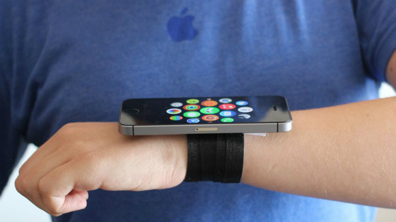 Prototipul ceasului Apple Watch