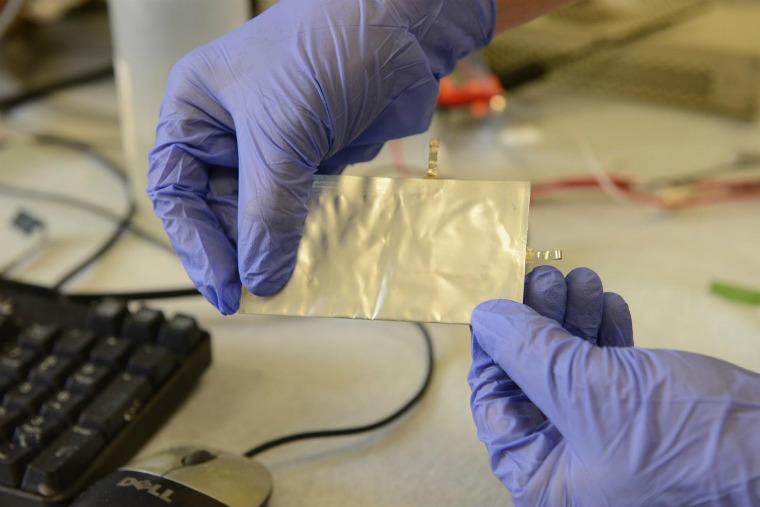 Bateria viitorului este din aluminium
