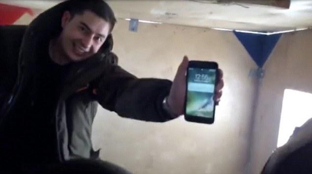 Iphone 7 scăpat in apa înghețată