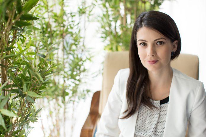 Marina Popescu -Floria.ro