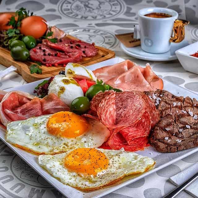 Mic dejun VacaMuuu